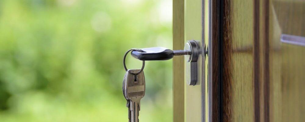 como-abrir-una-puerta-con-la-llave-puesta-por-dentro