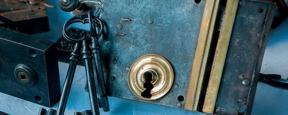 como-sacar-una-llave-partida-de-una-cerradura