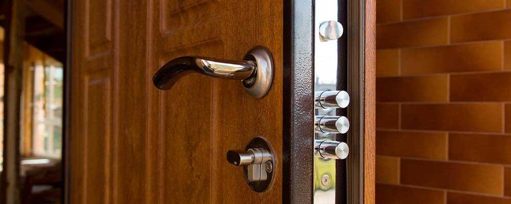 diferencia-puerta-acorazada-blindada